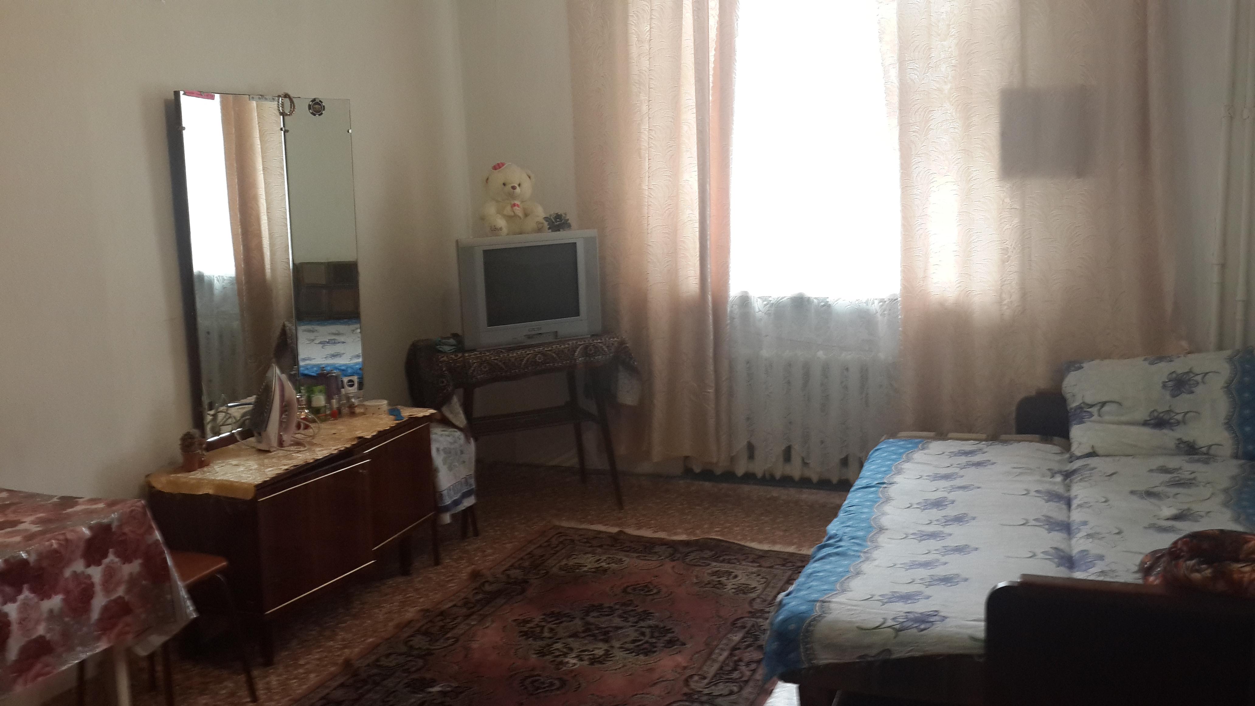 Продажа  комнаты Ленинградская  31